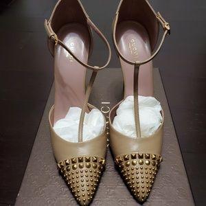 Womens shoea